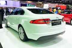 NONTHABURI - 1ER DÉCEMBRE : Affichage de voiture de Jaguar XF Image stock