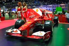 NONTHABURI - GRUDZIEŃ 1: Ferrari formuły 1 samochodowy pokaz przy Thaila Zdjęcia Royalty Free