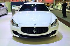 NONTHABURI - GRUDZIEŃ 1: Maserati Quattroporte samochodowy pokaz przy Th Fotografia Royalty Free