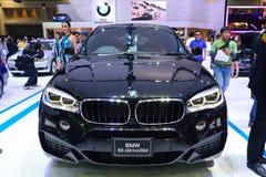 NONTHABURI - GRUDZIEŃ 1: BMW X6 30d SUV xdrive samochodowy pokaz przy Th Zdjęcie Royalty Free