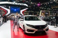 NONTHABURI - 23. MÄRZ: NEUES Honda Civic 2016 auf Anzeige an den 37 Stockfotos