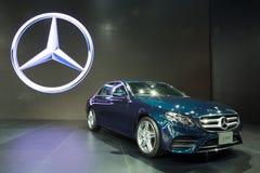NONTHABURI - MARZEC 23: NOWY Mercedez Benz e 220 d na pokazie przy T Obrazy Stock