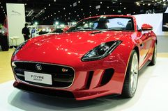 NONTHABURI - NOVEMBER 28: Jaguar F-type, sport convertible car, Royalty Free Stock Photos