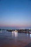 Nonthaburi, TAILÂNDIA - 10 de abril: 2016 O tempo Pakkret do pôr do sol é a Fotos de Stock
