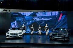 NONTHABURI, TAILANDIA - DICIEMBRE 6,2018: Grupo de coche modelo de la muchacha en cabinas en la Motor-expo internacional 2018, ex fotos de archivo libres de regalías
