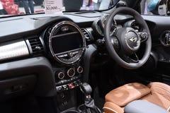 Nonthaburi TAJLANDIA, Marzec, - 30, 2018: Inside i Pociesza Nowego Mini Cooper S kabriolet przy BANGKOK MOTOROWYM przedstawieniem Zdjęcia Royalty Free