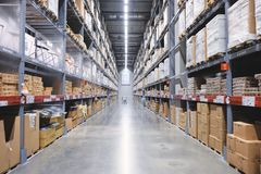 Nonthaburi, Thailand - September 11, 2018: Het gebied van het het meubilairpakhuis van IKEA Bangyai, Grote Inventaris stock afbeeldingen