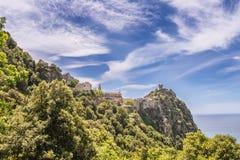 Nonza村庄在盖帽Corse的在可西嘉岛 免版税图库摄影