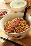 noodle σχαρών χοιρινό κρέας Στοκ Φωτογραφία