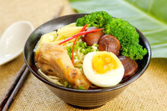 Noodle soup with mushroom and chicken Royalty Free Stock Images