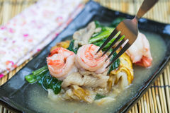 Noodles with prawns Royalty Free Stock Photos