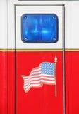 Noodsituatie blauw licht met de Vlag van Verenigde Staten Stock Fotografie