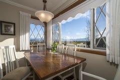 Nook кухни с взглядом солнечного дня Стоковые Изображения