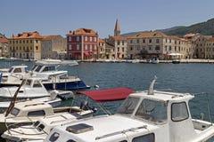 Noontime im Mittelmeerhafen Stockfoto