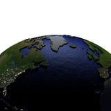 Noord-Atlantische Oceaan bij nacht op model van Aarde met in reliëf gemaakt land Stock Foto's