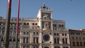 Noord-Italië, Venetië, klokketoren van St Teken stock video