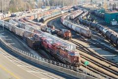 NOORD-VANCOUVER, BC, CANADA - 13 JANUARI, 2019: Een mening van de trainyard en middelterminal in Noord-Vancouver royalty-vrije stock fotografie