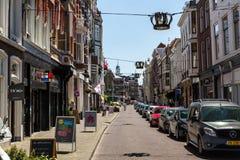 Noordeinde和Hoogstraat街的看法在市中心 免版税库存图片