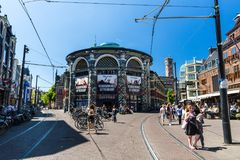 Noordeinde和Hoogstraat街的看法在市中心 免版税库存照片