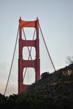 Noordelijk Eind van Golden gate bridge bij Zonsondergang Stock Afbeeldingen