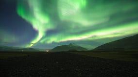 Noordelijk Lichtenaurora borealis in IJsland Beweging beneden-omhoog stock videobeelden