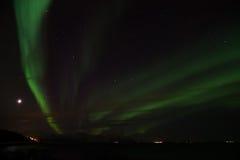 Noordelijke Lichten in Bremnes dichtbij Harstad, Noorwegen royalty-vrije stock fotografie