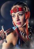 Noordelijke strijdersvrouw Portret met zwaard Stock Foto