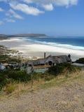Noordhoek海滩看法从沿街叫卖者的高峰路的在开普敦,南非 库存图片