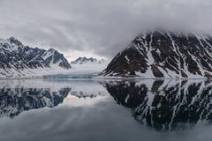 Noordpoollandschap dichtbij de kusten van Svalbard Royalty-vrije Stock Foto