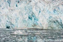 Noordpoollandschap in Svalbard met gletsjer het kalven stock afbeeldingen