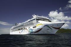 Noorse Dawn Cruise Ship stock foto's