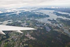 Noorse fjorden die van vliegtuig worden gezien stock foto