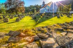 Noorse kerk en cemetry royalty-vrije stock afbeeldingen