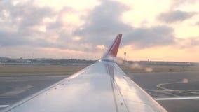 Noorse Luchtvaartlijnen jetliner start stock video