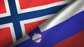 Noorwegen en Slovenië twee vlaggen textieldoek, stoffentextuur royalty-vrije illustratie
