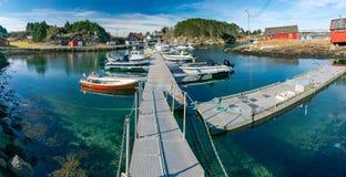 Noorwegen, fjordjachthaven toneel Stock Afbeelding