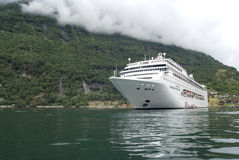 Noorwegen - Geirangerfjord - de bestemming van de Reis voor cruiseschepen royalty-vrije stock afbeeldingen