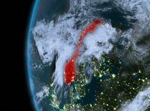 Noorwegen in rood bij nacht royalty-vrije illustratie