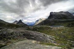 Noorwegen, rotsachtige bergen. Royalty-vrije Stock Fotografie