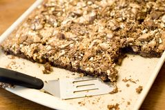 Nootachtige Karamel Brownies stock foto's