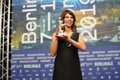 Nora Fingscheidt deltar i en presskonferens royaltyfri fotografi