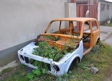 NORATUS, ARMENIA - 14 DE OCTUBRE DE 2016: res muerta del coche Imagenes de archivo