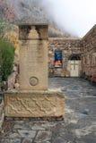 Noravank klostergränsmärke i det Syunik landskapet av Armenien 2018: monument till arkitekten Momik och museet arkivfoto