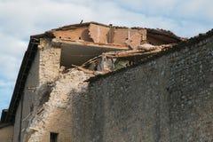 Norcia fördärvar efter den stora jordskalvet Arkivbilder