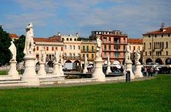 Nord-öst av ön Memmia i den Prato dellaen Valle i Padua i Venetoen (Italien) Fotografering för Bildbyråer