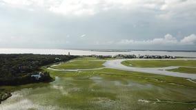 Nord-Kahlkopf-Insel-Jachthafen Carolina Tidal Creek Marshs BHI stock footage