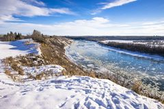 Nord-Saskatchewan River Valley in der Wintersaison lizenzfreies stockfoto