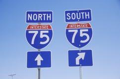 Nord und Süd-Autobahnzeichen der Autobahn-75 Stockbild