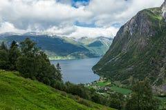 Norddal в конце Storfjorden, Норвегии Стоковые Изображения