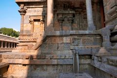 Nordeingang zum mukha-mandapa, Airavatesvara-Tempel, Darasuram, Tamil Nadu Stockfoto